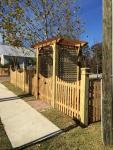custom picket with trellis